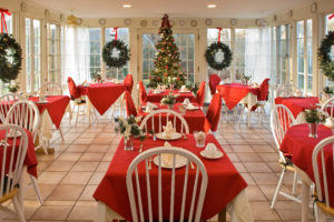 Holiday Dining Room Set Up