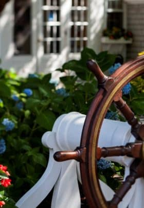 Captain's Wheel with Hydrangea